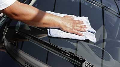 Hand drying car to a good finish